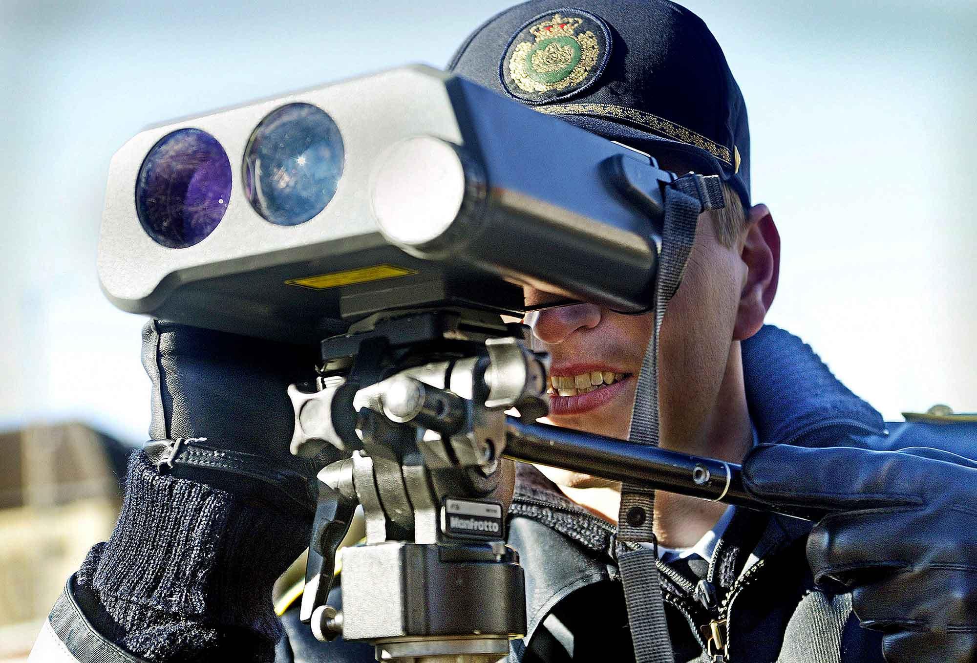 Fartkontrol - Politiet måler fart