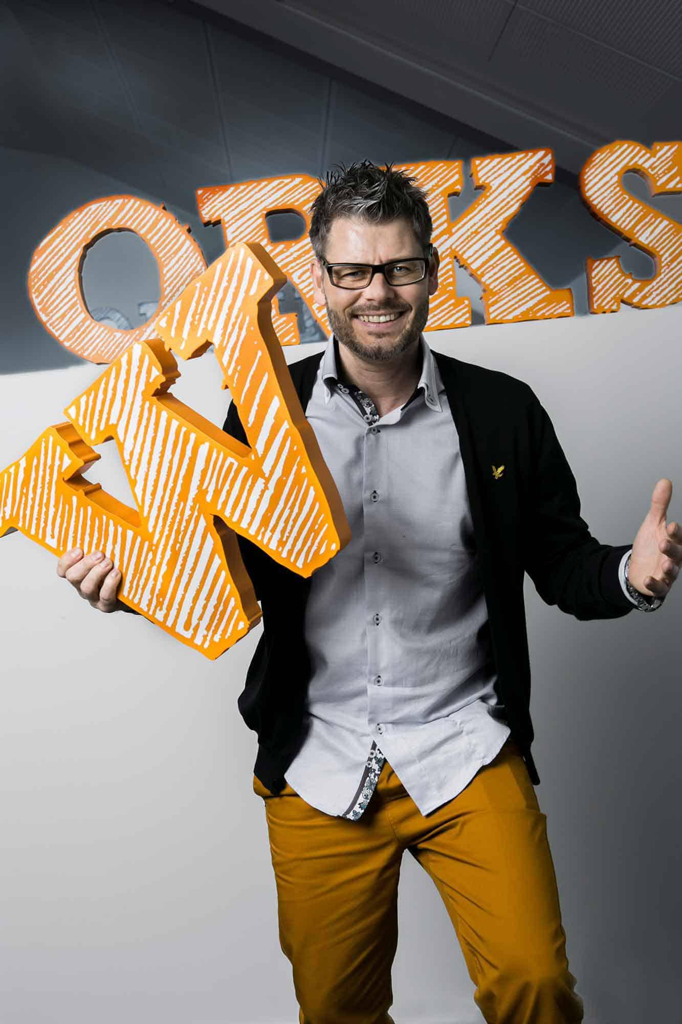 Works Onlines stifter Jacob Flindt - Kreative branding-portrætter af medarbejderene