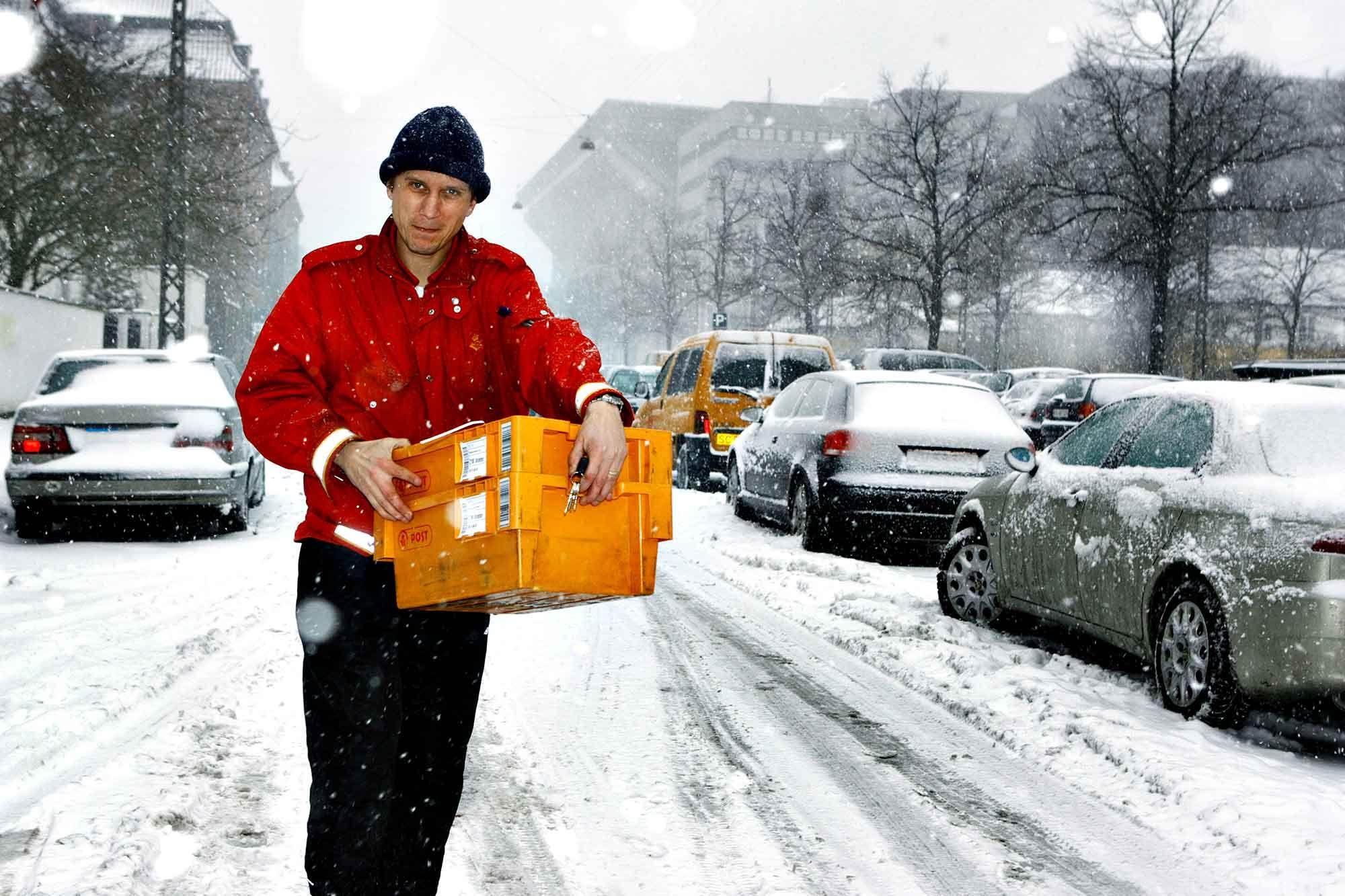 I regn og slud og sned og frost - skal posten ud når man er post